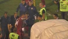 Kolarov protégeant un joueur albanais