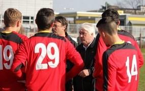 Andreyev au milieu de ses joueurs