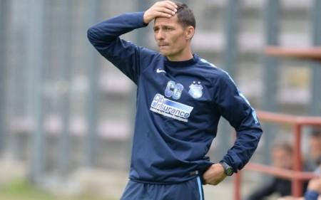 L'entraîneur du Steaua, bien qu'en tête de Liga I, n'est pas assuré de garder son poste jusqu'à la fin de la saison