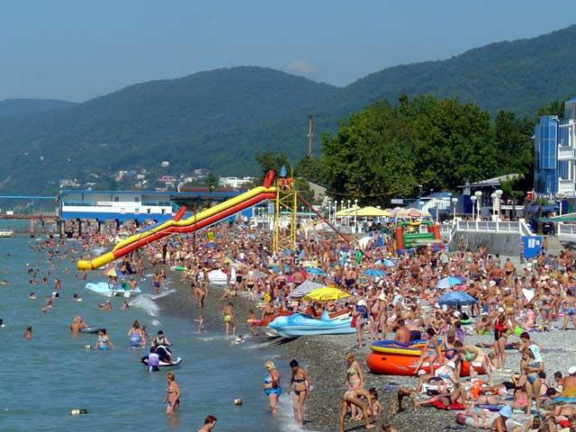 Il y a plus de monde à la plage qu'au stade à Sochi
