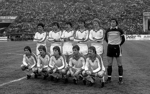 L'équipe du Dinamo éliminée par Liverpool en demi-finale de C1 en 1984.