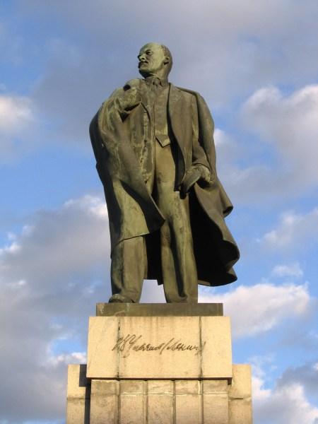 Lenine dans sa ville natale