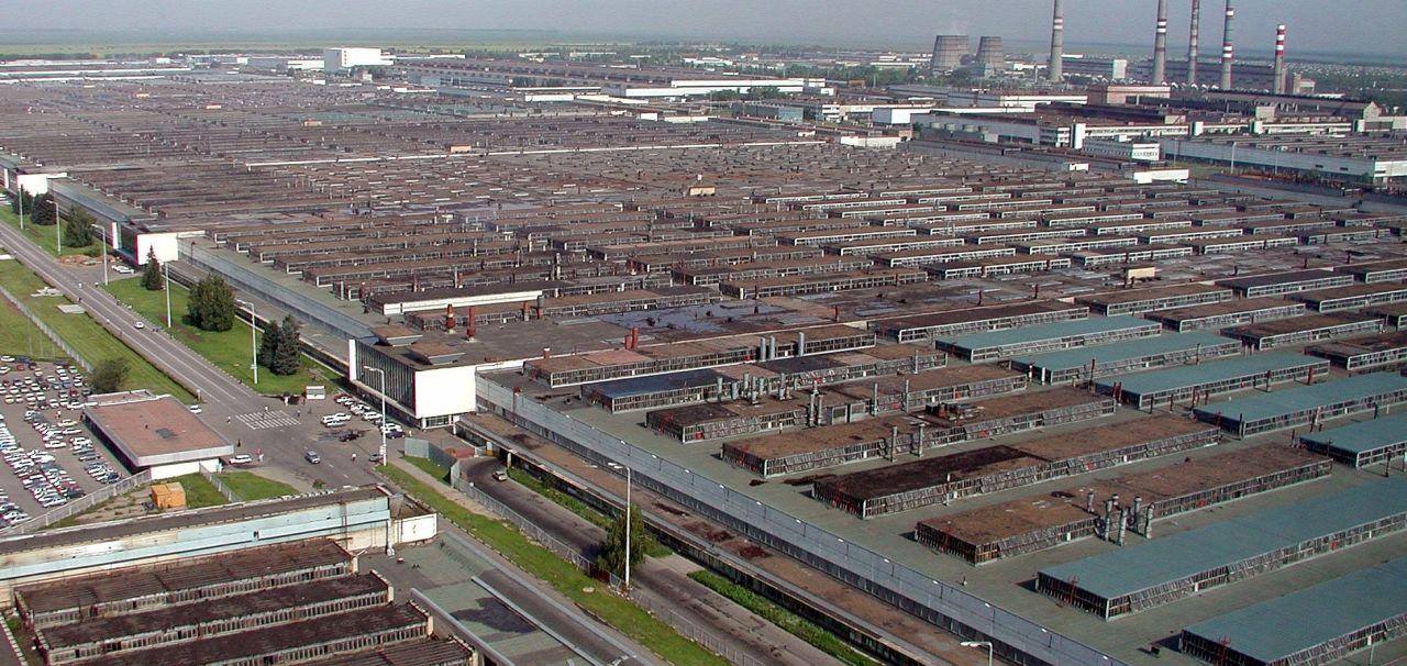 Togliatti, nommée en mémoire du dirigeant communiste italien du même nom, abrite les immenses usines Lada