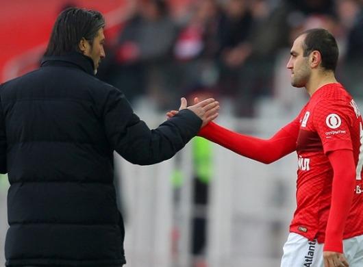 Murat Yakin avec Movsisyan, autre Arménien du Spartak