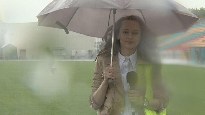 La météo biélorusse est capricieuse pour le football (d'où le forma printemps-automne) mais aussi pour les journalistes