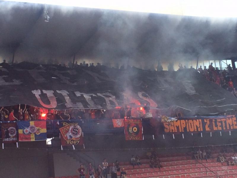 Ambiance pyros du côté du Sparta !
