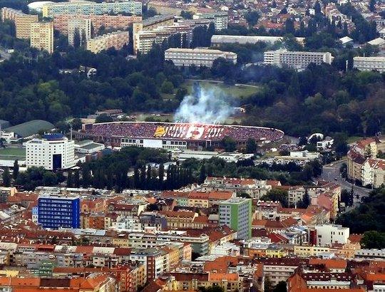 Le peuple de Brno est de retour. le stadion Za Lužánkami revit.