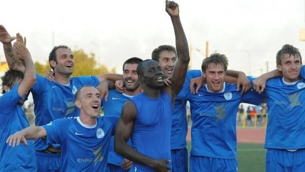 Célébration des kazakhs après une victoire face au Jagiellonia Białystok en Europa League